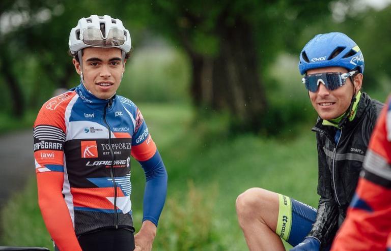 Adam Ťoupalík (vpravo) s bratrem Jakubem závodícím za tým Topforex Lapierre. Foto: facebook Topforex Lapierre