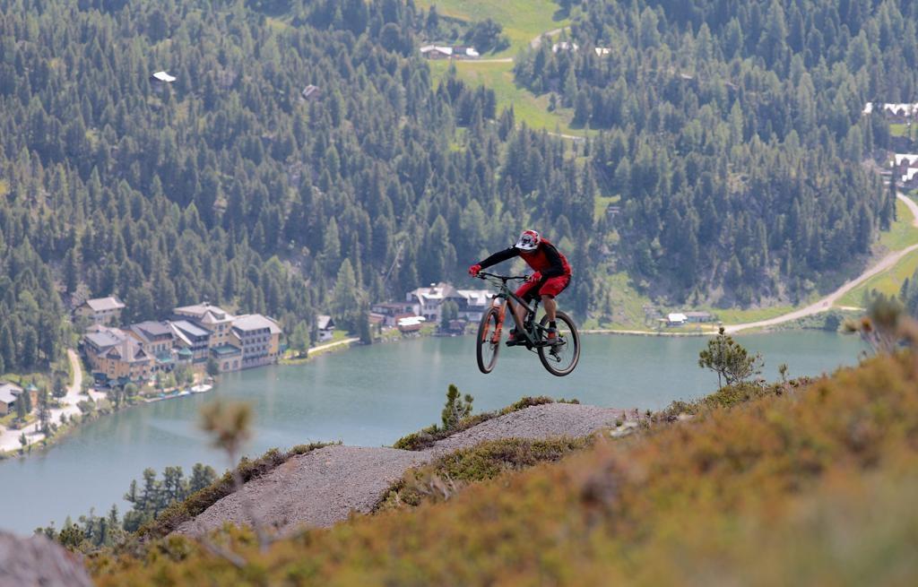 Kornock Flowtrail nabízí jedinečný sportovní zážitek i spektakulární výhledy na hory.