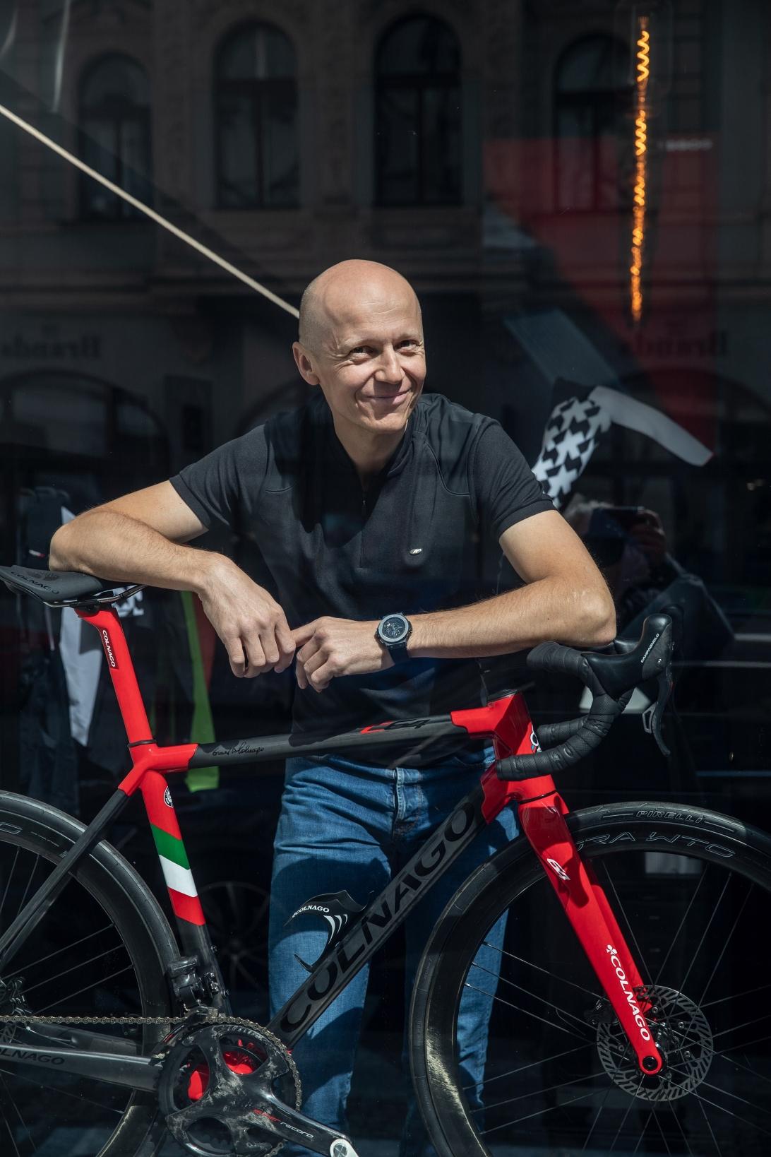 Vladan Hájek i v době pandemie koronaviru realizoval záměr otevřít v centru Prahy specializovaný cyklistický obchod.
