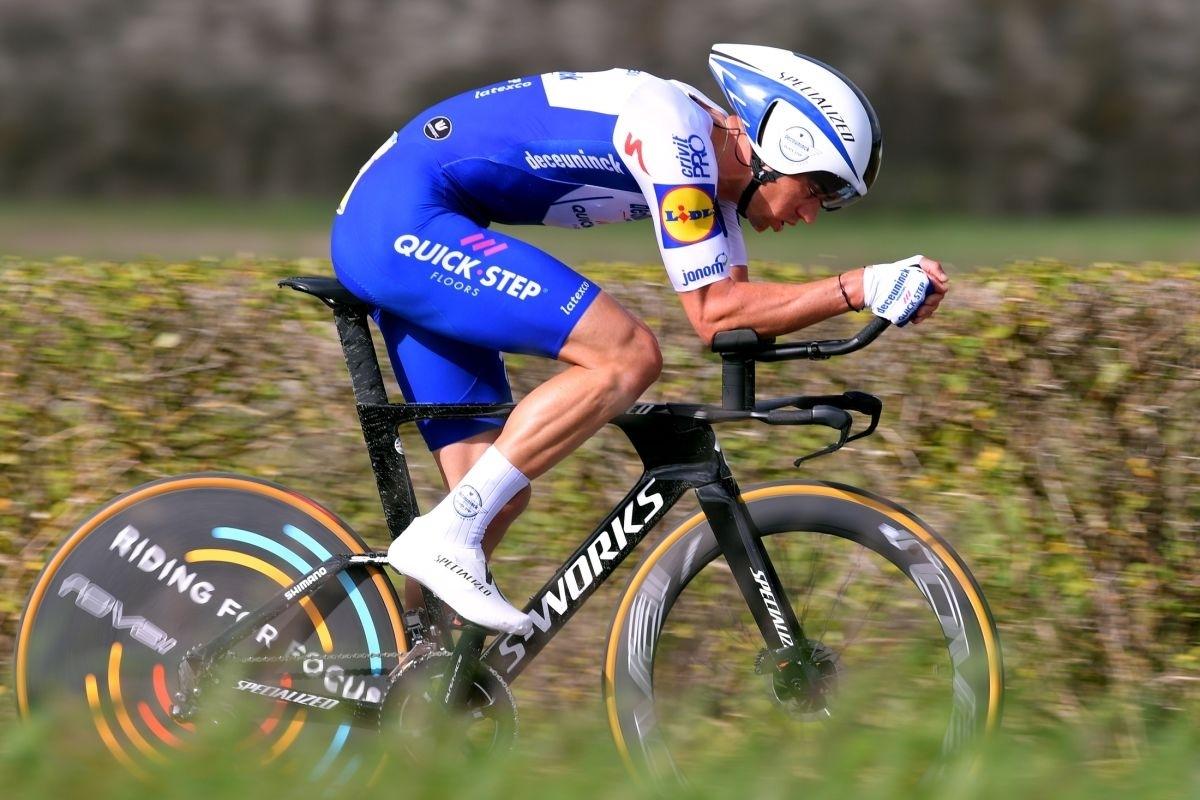 Speciály pro časovku a oblečení cyklistů pro boj s chronometrem je velkou alchymií. Foto: Deceuninck Quick Step Luc Claessen/Getty Images