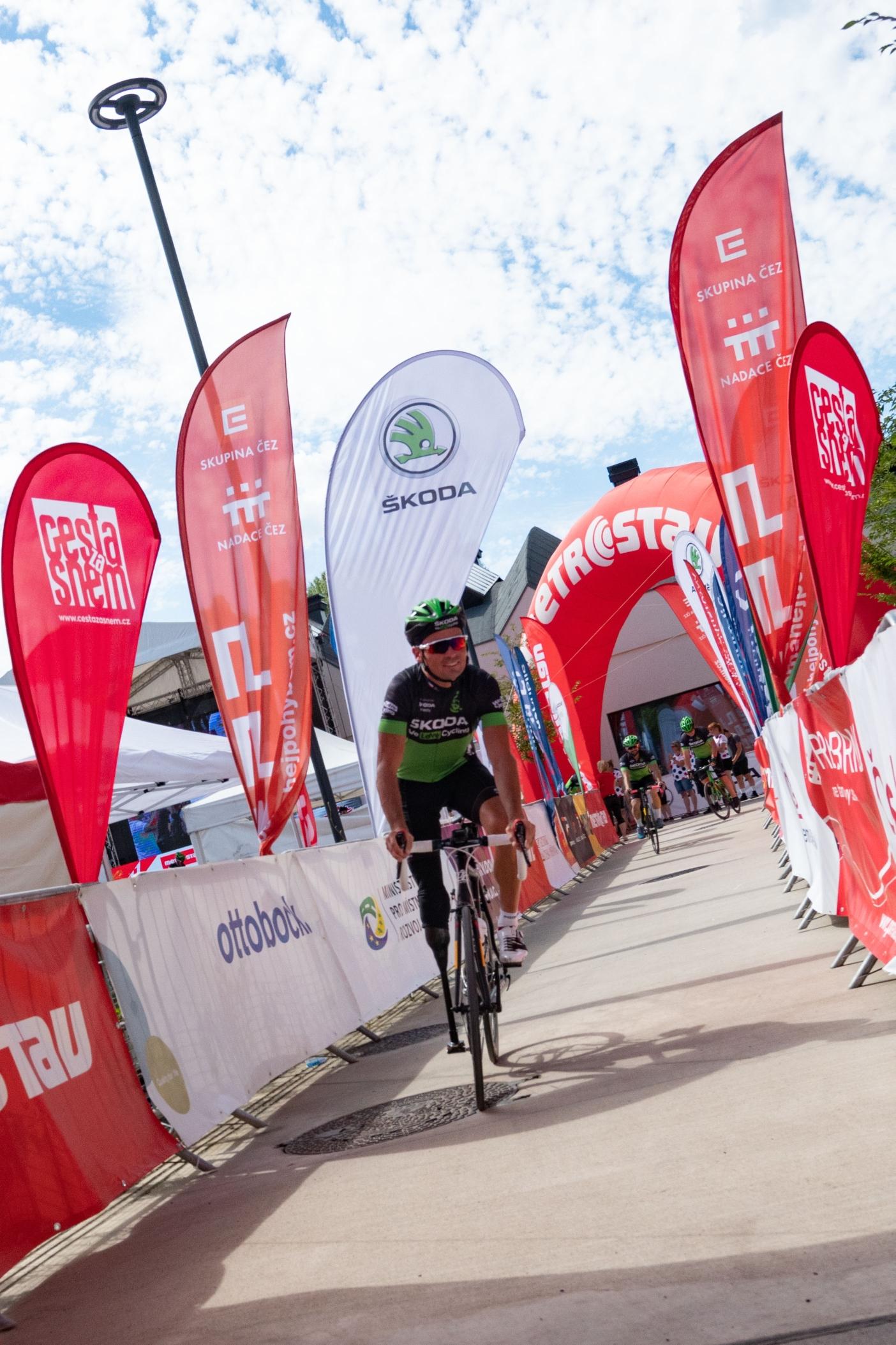 Jiří Ježek, kapitán týmu We Love Cycling, na startu 8. ročníku Metrostav Handy Cyklomaratonu.