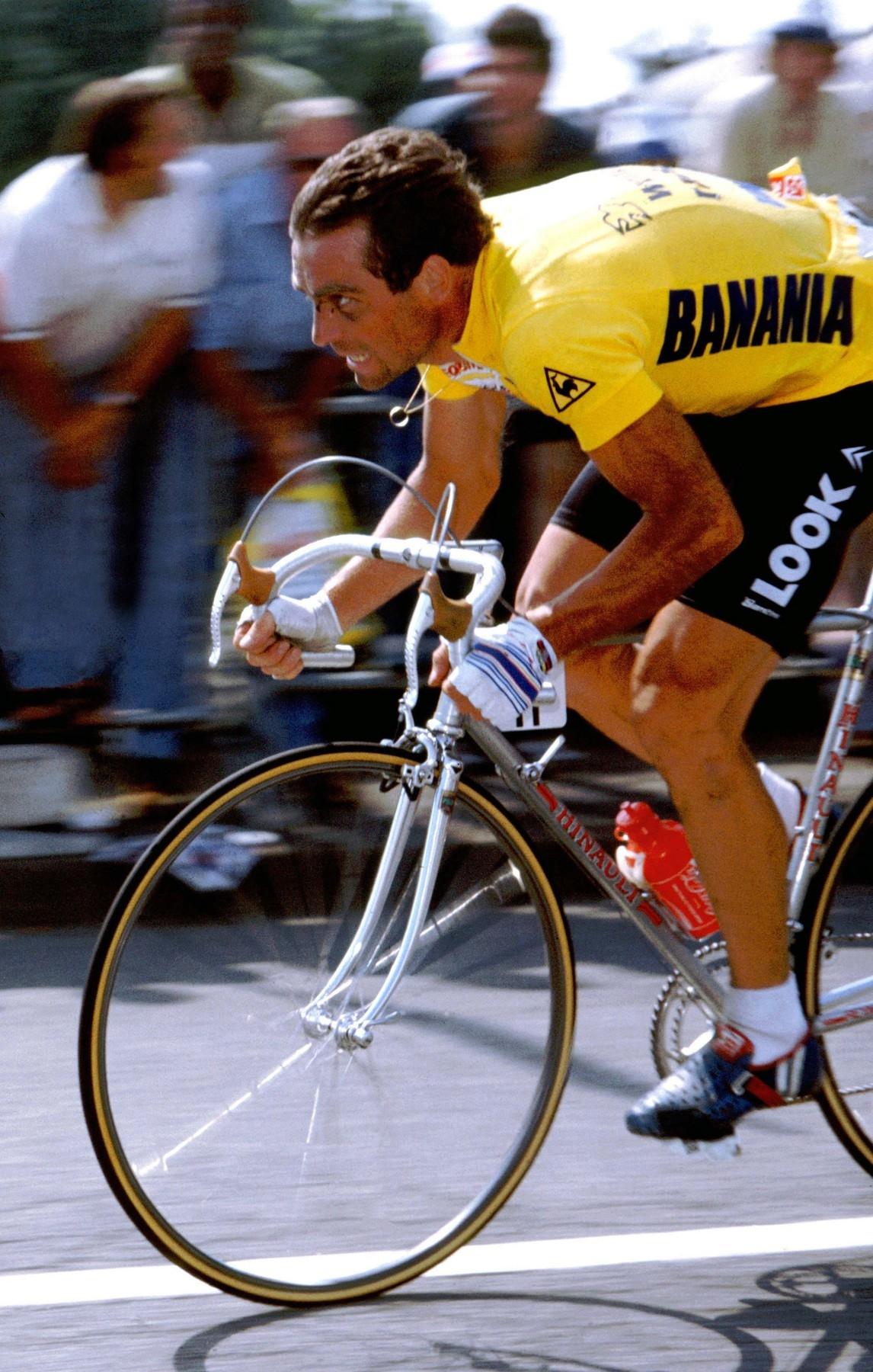 Bernard Hinault jede pro poslední žlutý trikot kariéry pět let poté co kvůli zranění závod opustil potají. Foto: profimedia