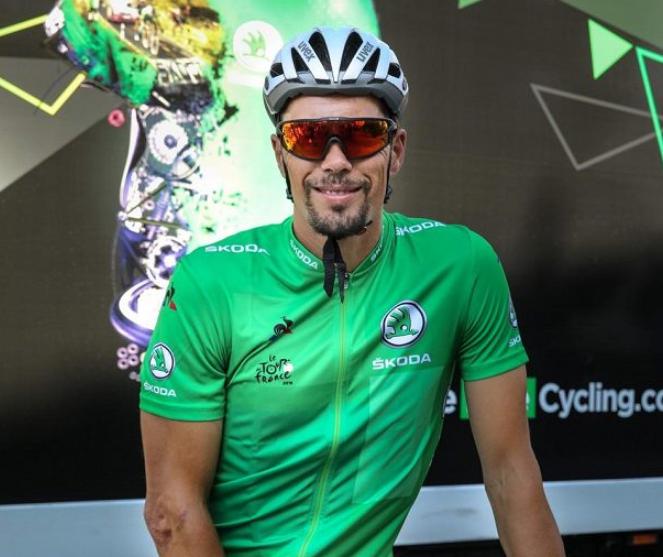 Pedro Horrillo se každé ráno před etapou protáhne v sedle kola, které provází celý jeho život. Foto. We Love Cycling