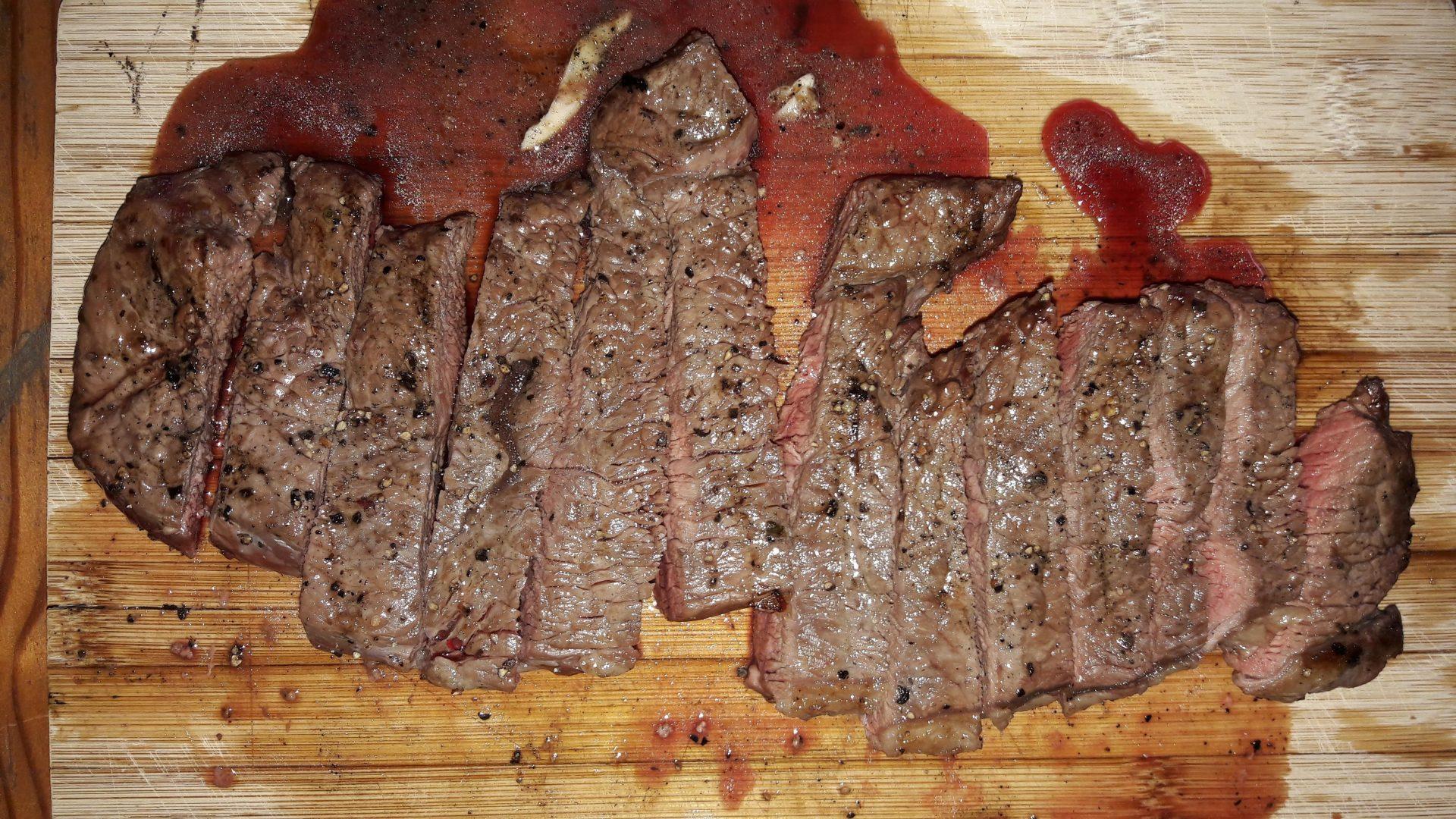 Hovězí maso z biochovu je křehčí, chutnější, šťavnatější a mnohem vláčnější. Foto: We Love Cycling