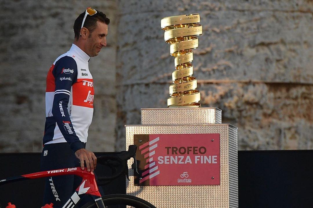 Vincenzo Nibali z týmu Trek Segafredo se při Giro di Italia musel sklonit před mladší konkurencí. Foto: Giro d´Italia