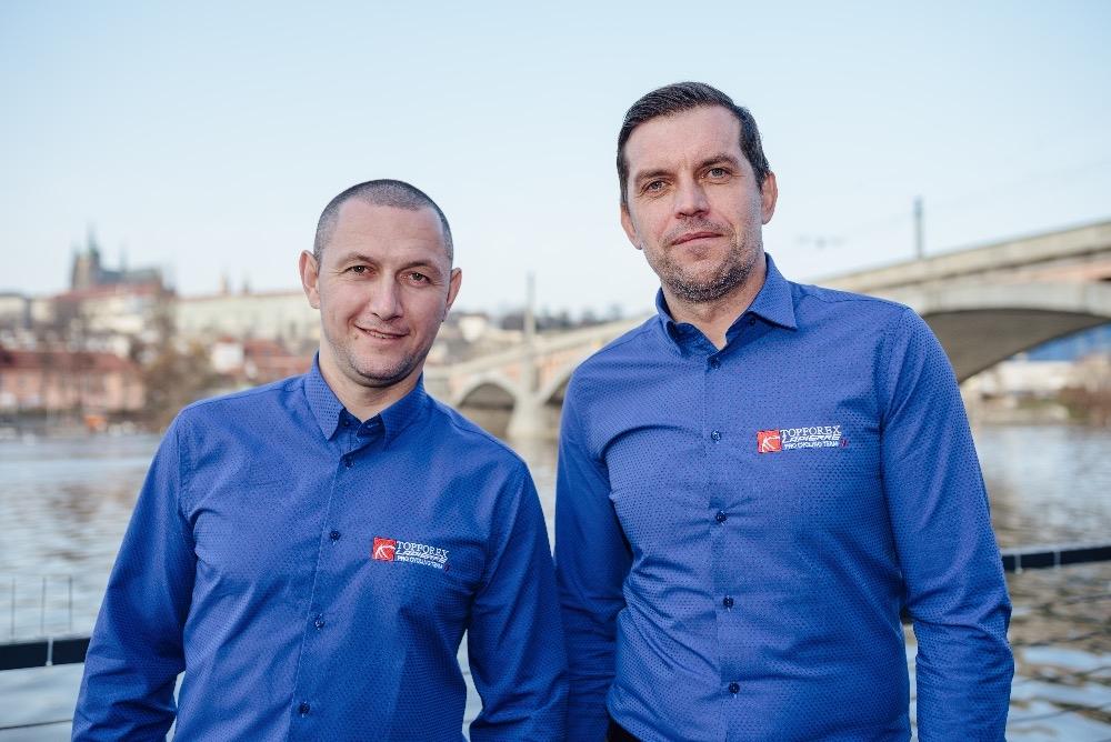 Pavel Padrnos (vpravo) a René Andrle během působení v týmu Topforex Lappiere. Foto: archiv Topforex Lappiere