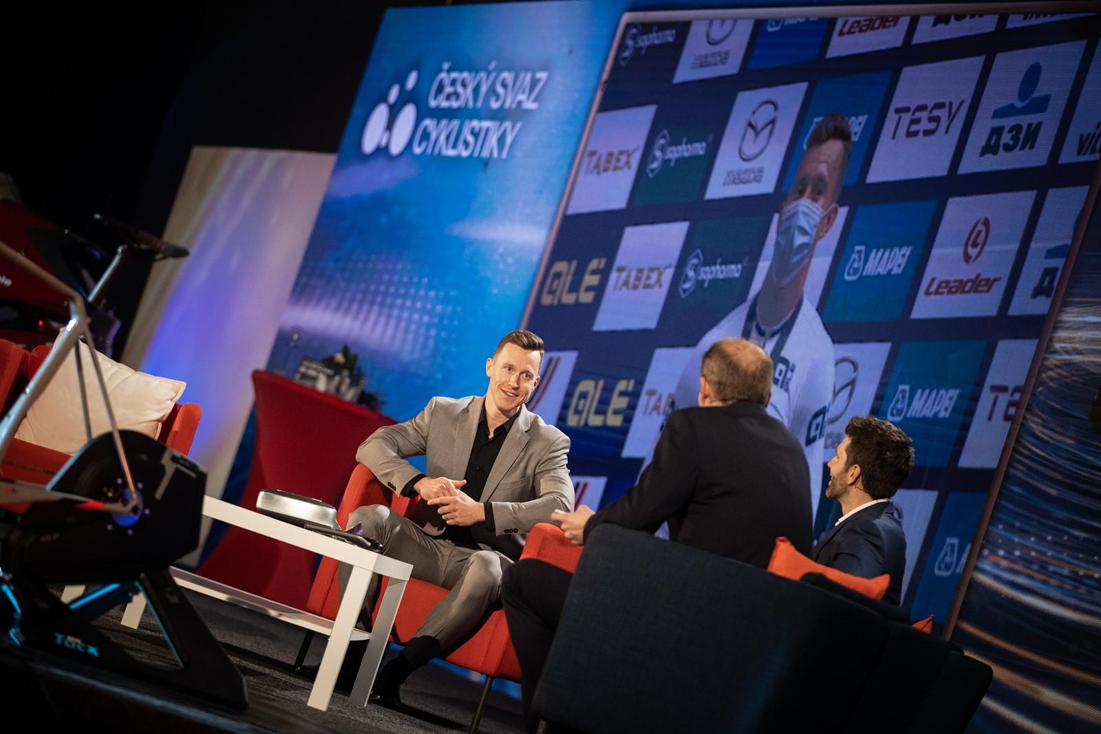 Tomáš Bábek, vítěz ankety Král cyklistiky během rozhovoru při slavnostním vyhlášení ankety. Foto: Michal Červený