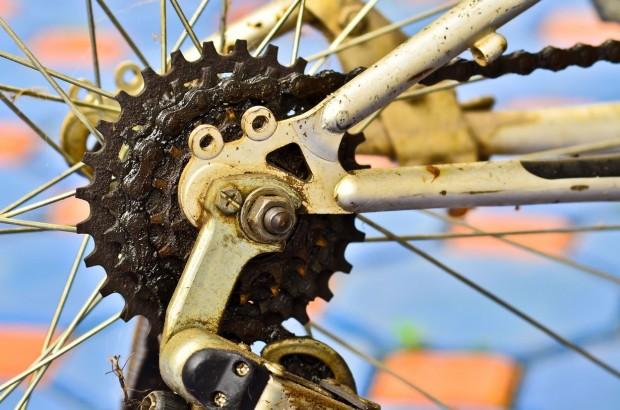 Bicycle dirty chain