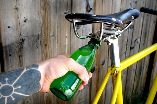 Drinking and riding certainly isn't something we recommend, but this bottle opener is really practical!