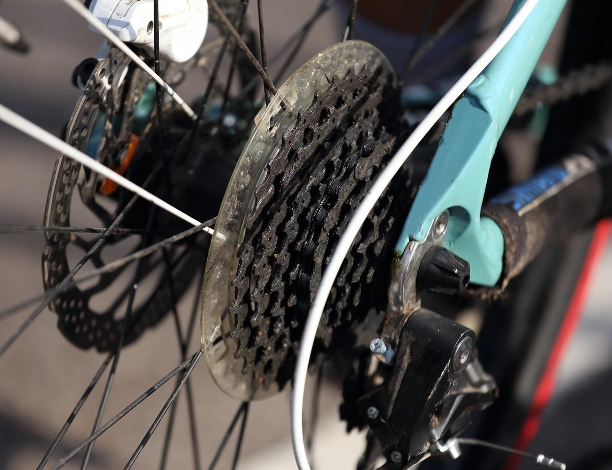 Ultimately, choosing which drivetrain to select for your bike is a personal choice. Electronic shift systems as Shimano Di2, Campagnolo EST, or SRAM are definitely more expensive, but the benefits are pretty clear.