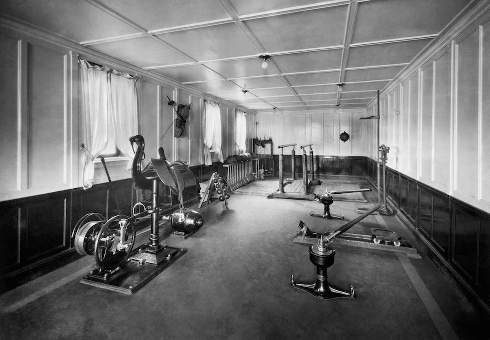 Gym of the Neptunia Transatlantic Liner (1930).