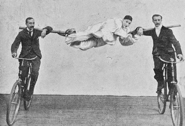 Stunt Bikers from 100 Years Ago (18)
