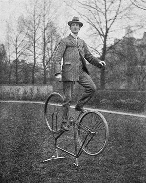 Stunt Bikers from 100 Years Ago (5)