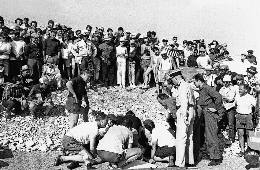 In 1967, Tom Simpson was wearing the Yellow Jersey when he headed up the Mount Ventoux in the 13th stage. He collapsed shortly before reaching the summit and died on the spot. It is thought that a performance-enhancing mix of alcohol and amphetamines caused the tragedy.