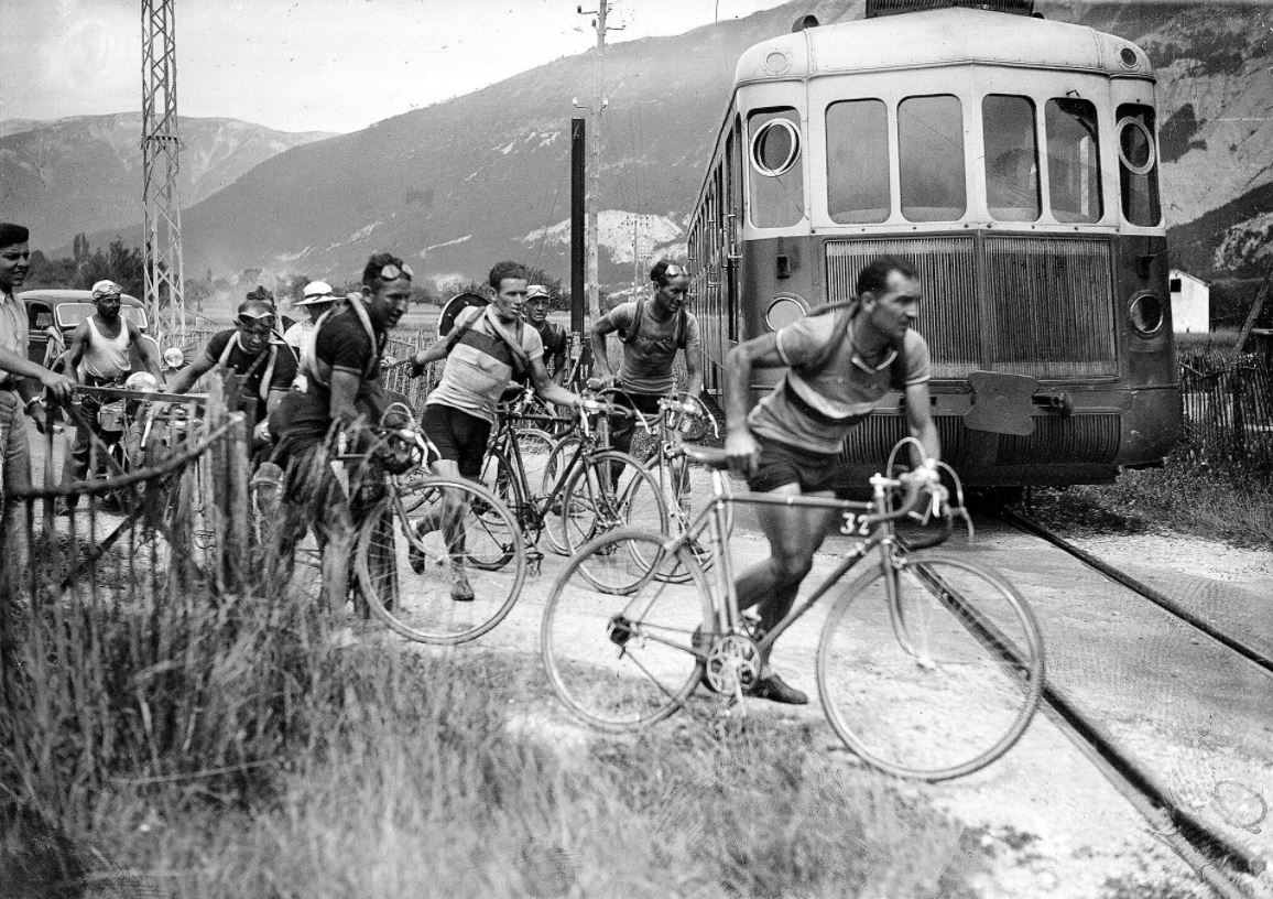 Tour De France Back In The Day Check Out 10 Historical Photographs Of The Grande Boucle We Love Cycling Magazine