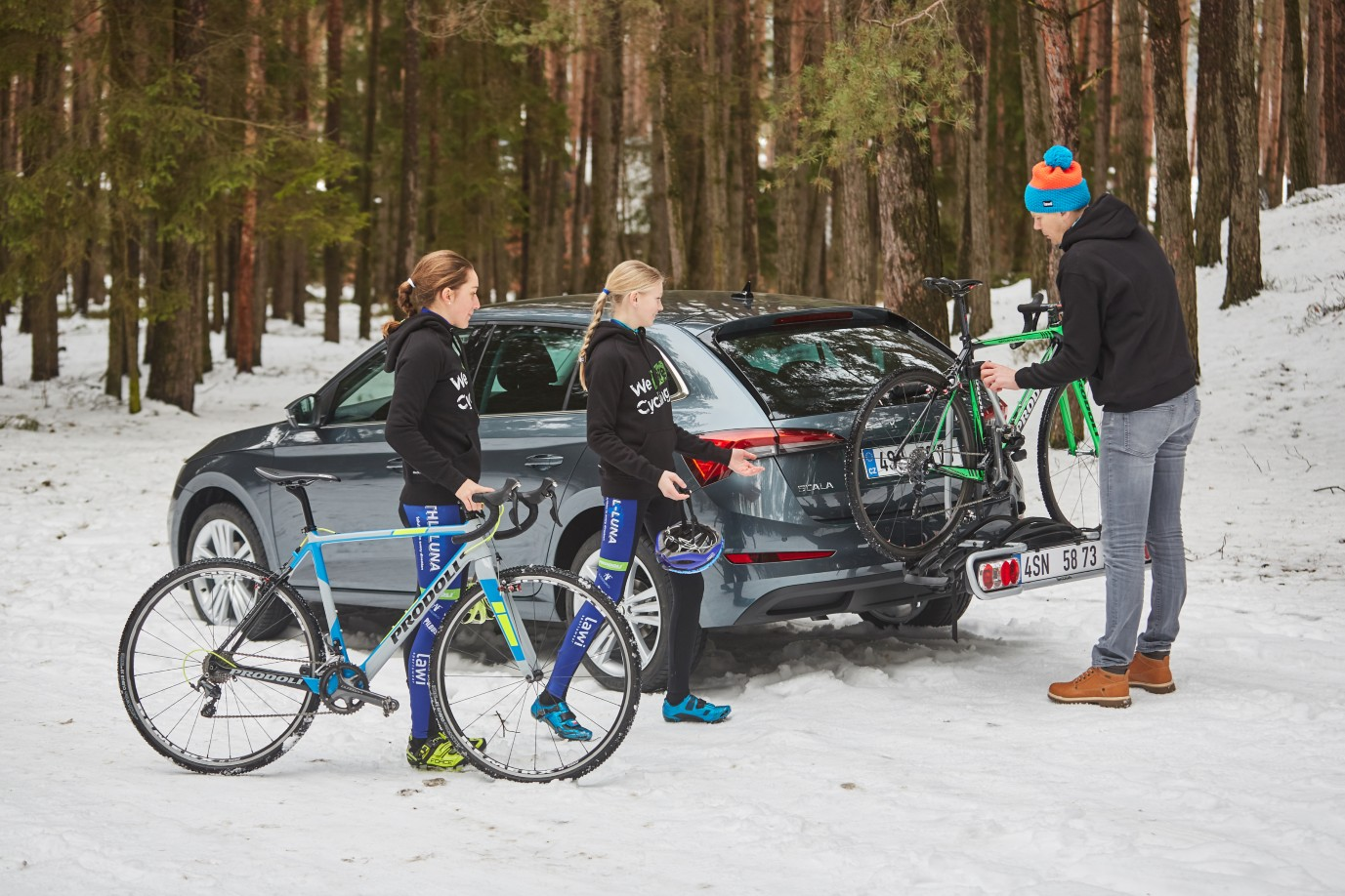 We Used the ŠKODA SCALA for a Winter Cyclocross Training Session - We Love Cycling magazine