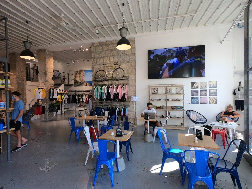 Cafe du Cycliste Interior