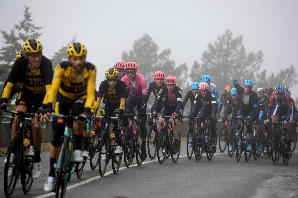 La Vuelta peloton