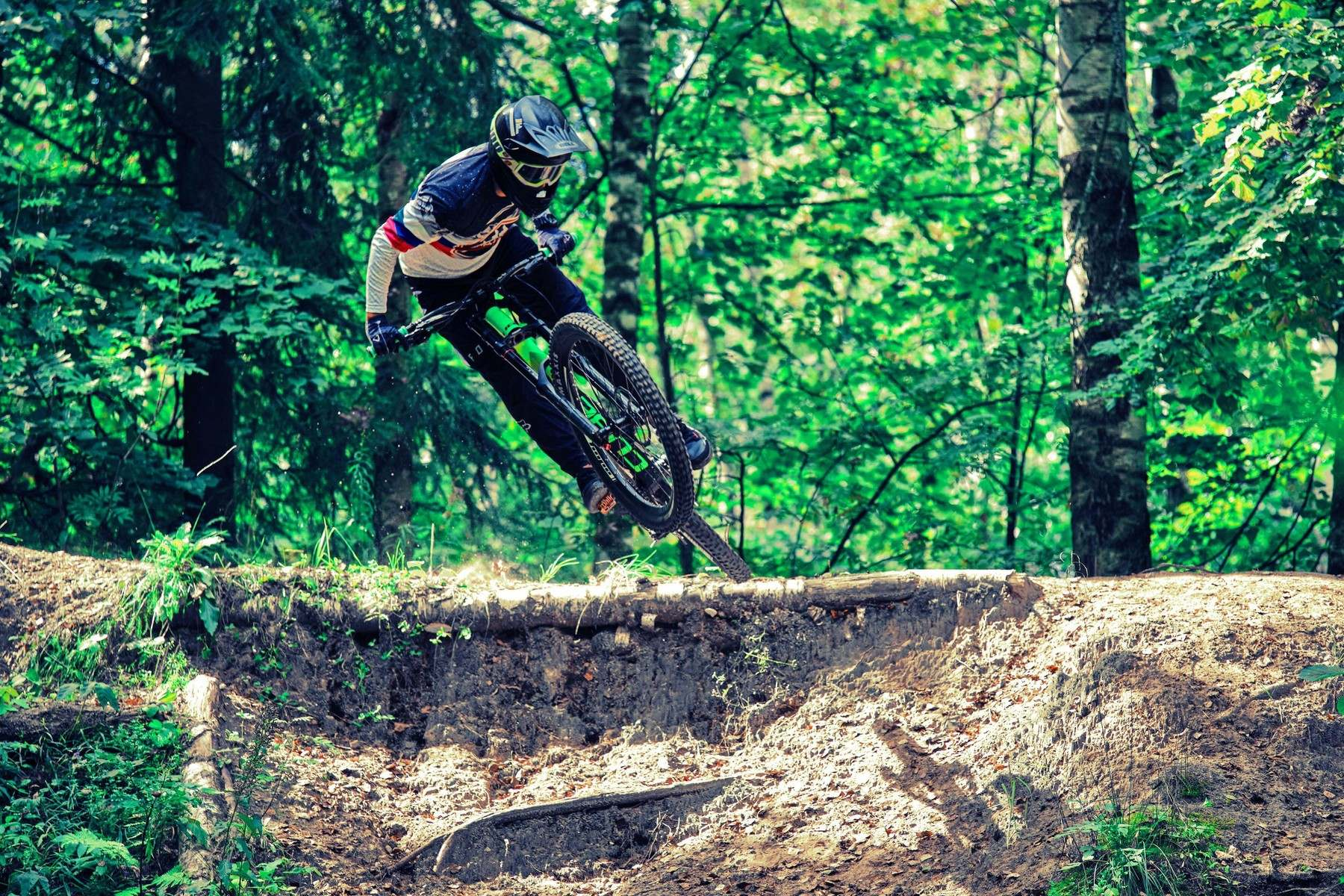 Downhill jump