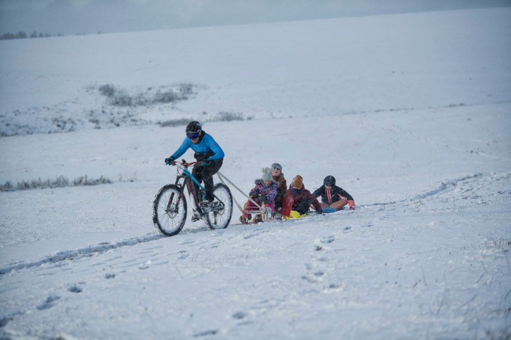 Winter cycling with children