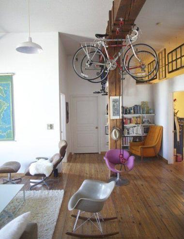 Questo si che è un bel posto per mettere le bici!